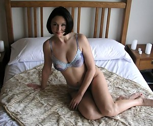 Mature Bedroom Porn Pictures