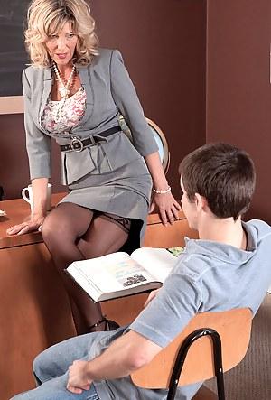 Mature Seduction Porn Pictures