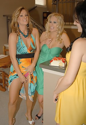 Mature Lesbian Orgy Porn Pictures