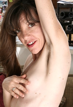 Hairy Mature Porn Pictures